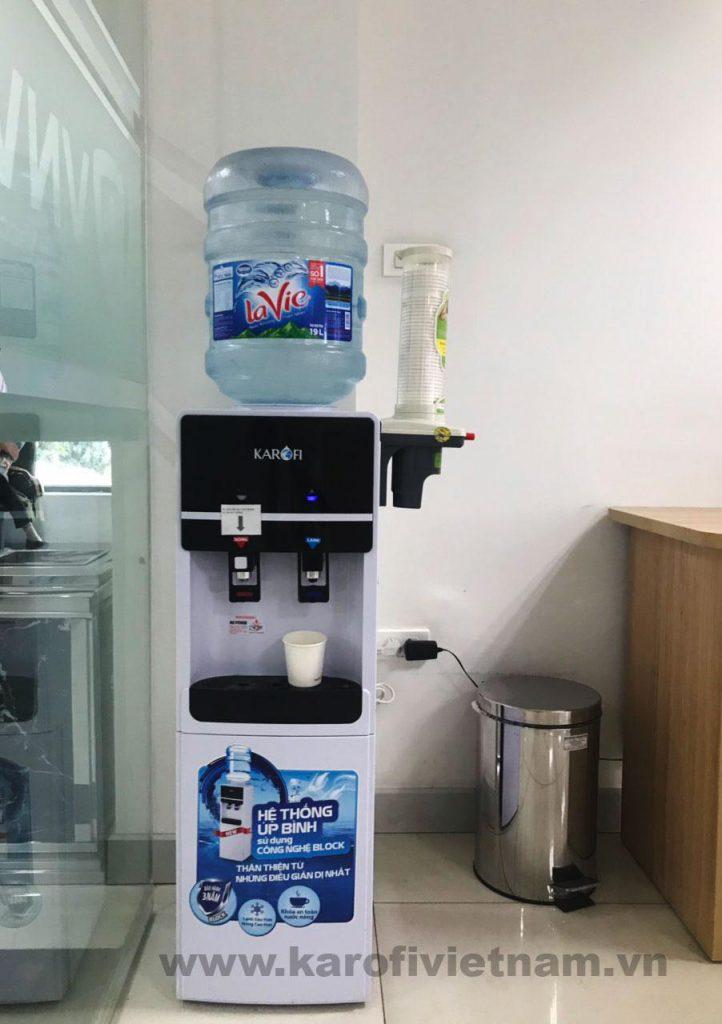 Hình ảnh thực tế Cây nước nóng lạnh Karofi HC01-W