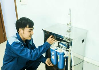 Tiến hành kiểm tra máy lọc nước