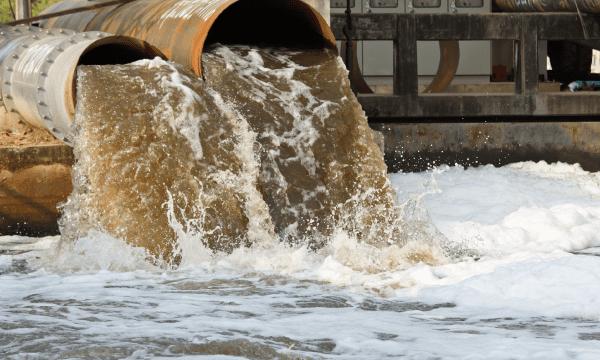 Nước thải công nghiệp nhiễm lượng kim loại nặng cực lớn